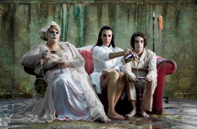 Las-guardianas-credito-Lau-Castro
